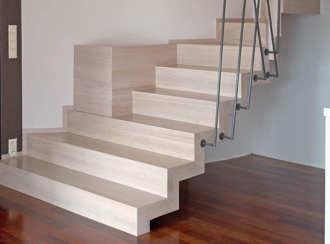 Schody drewniane Olsztyn - Schody dywanowe 002